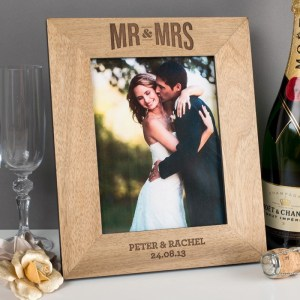 personalised-mr--mrs-wooden-photo-frame_a