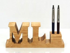 wooden pen holder 01
